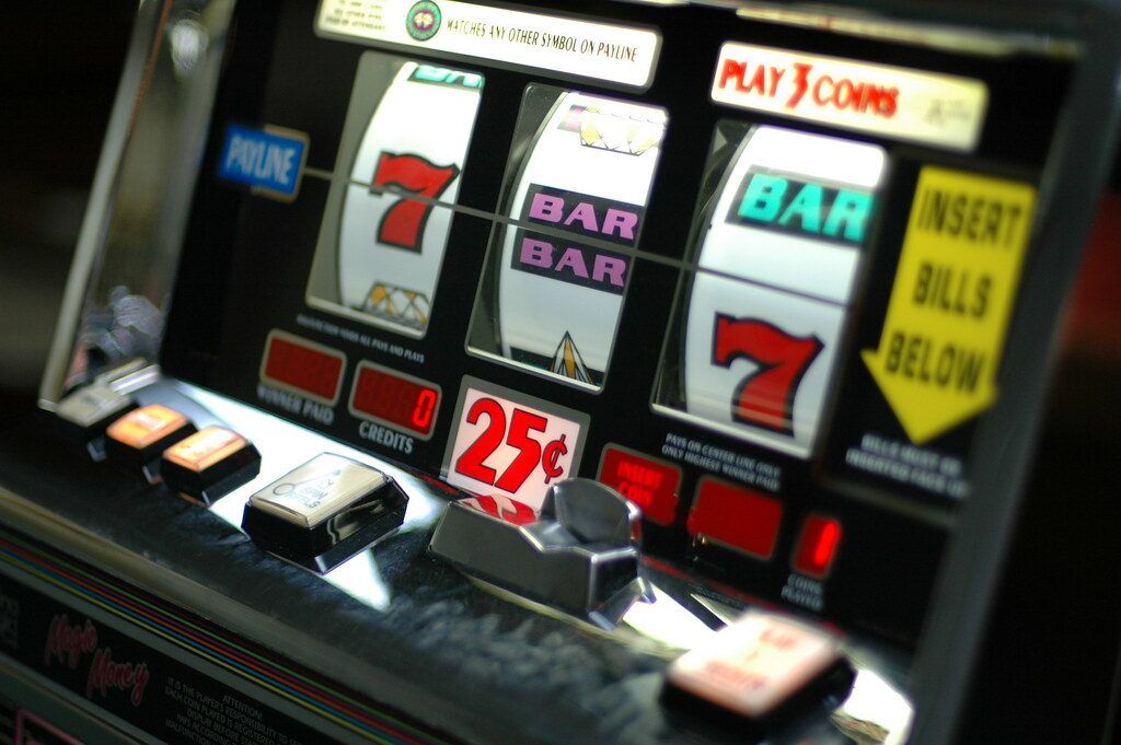 Slot Machines – Reduce or Eliminate Your Risk